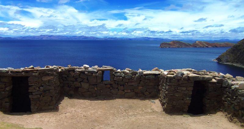 The labyrinthine temple at La isla del sol, compressed